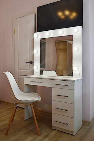 Макияжный гримерный туалетный визажный столик стол зеркало белый