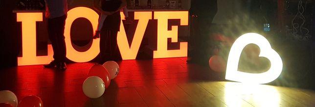 Stół Love wesele