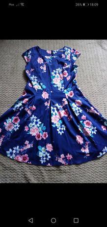 Sukienka w kwiatki 44r