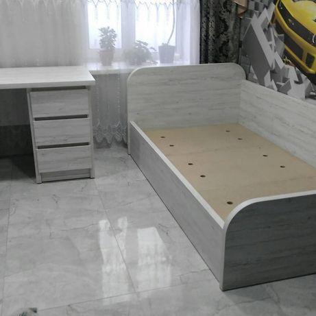 Кровать детская-цена только на кровать+ стол + стеллаж !