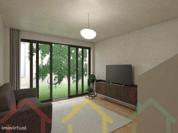 T2 +1 duplex, com terraço de 17,90m2 no Porto.