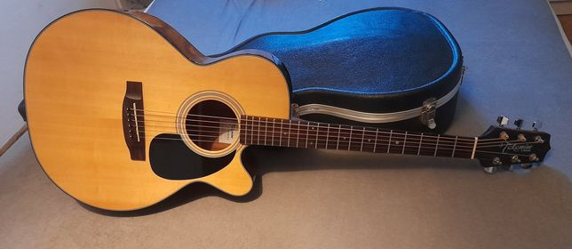 Gitara elektroakustyczna.