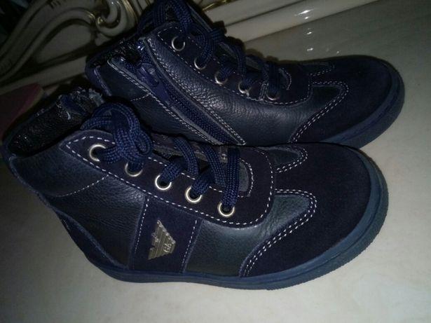 Продам ботинки на мальчика Аrmani