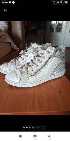 Ботинки для девочки 34р