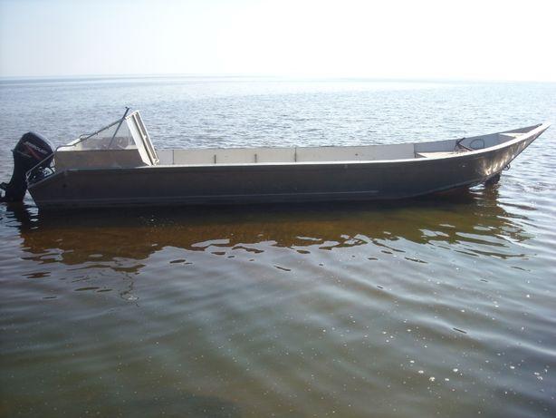 Алюминиевая лодка с мотором