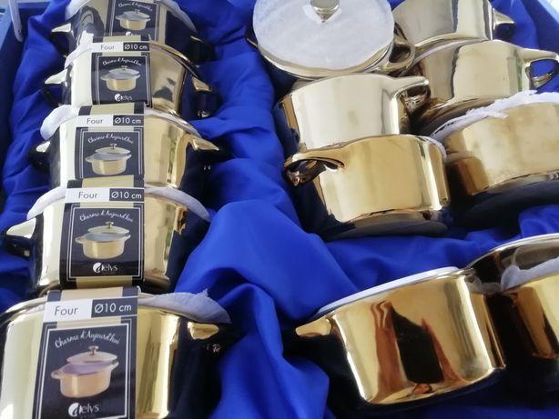 Mini-cocottes douradas novas