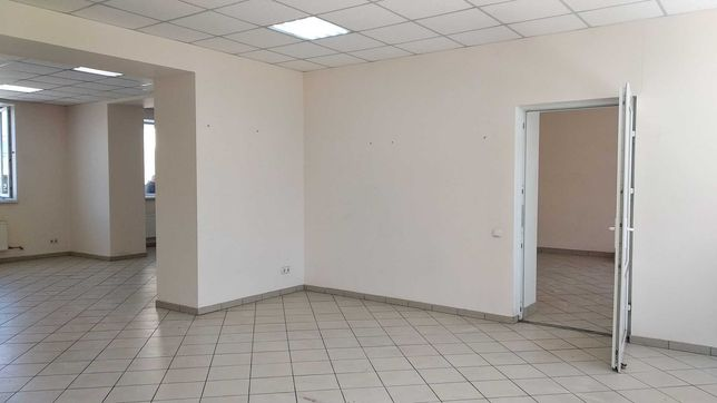 Приміщення під магазин, салон. 140 кв.м. Центр.