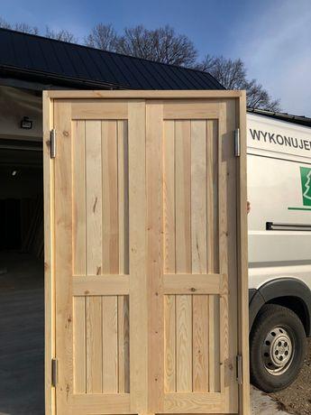 Drzwi drewniane wahadłowe dwuskrzydłowe sosnowe lite