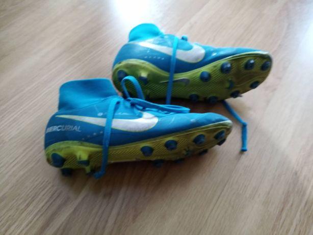 Chuteiras Nike Mercurial nº32