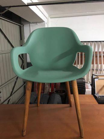 Cadeiras de mesa