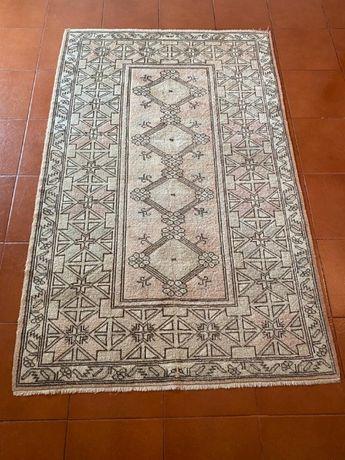 Carpete turca original, tecida à mão, material lã. 121x cm 192