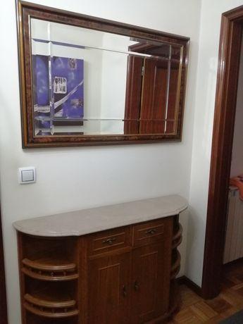 Sapateira e espelho