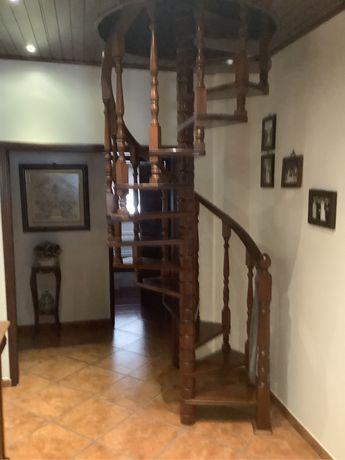 Escadaria de Madeira (Negociavel]
