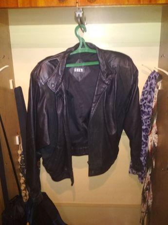 Продам кожаную куртку (женская, но больше унисекс)