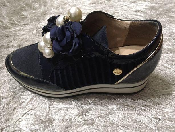 Sapatos de senhora MLV