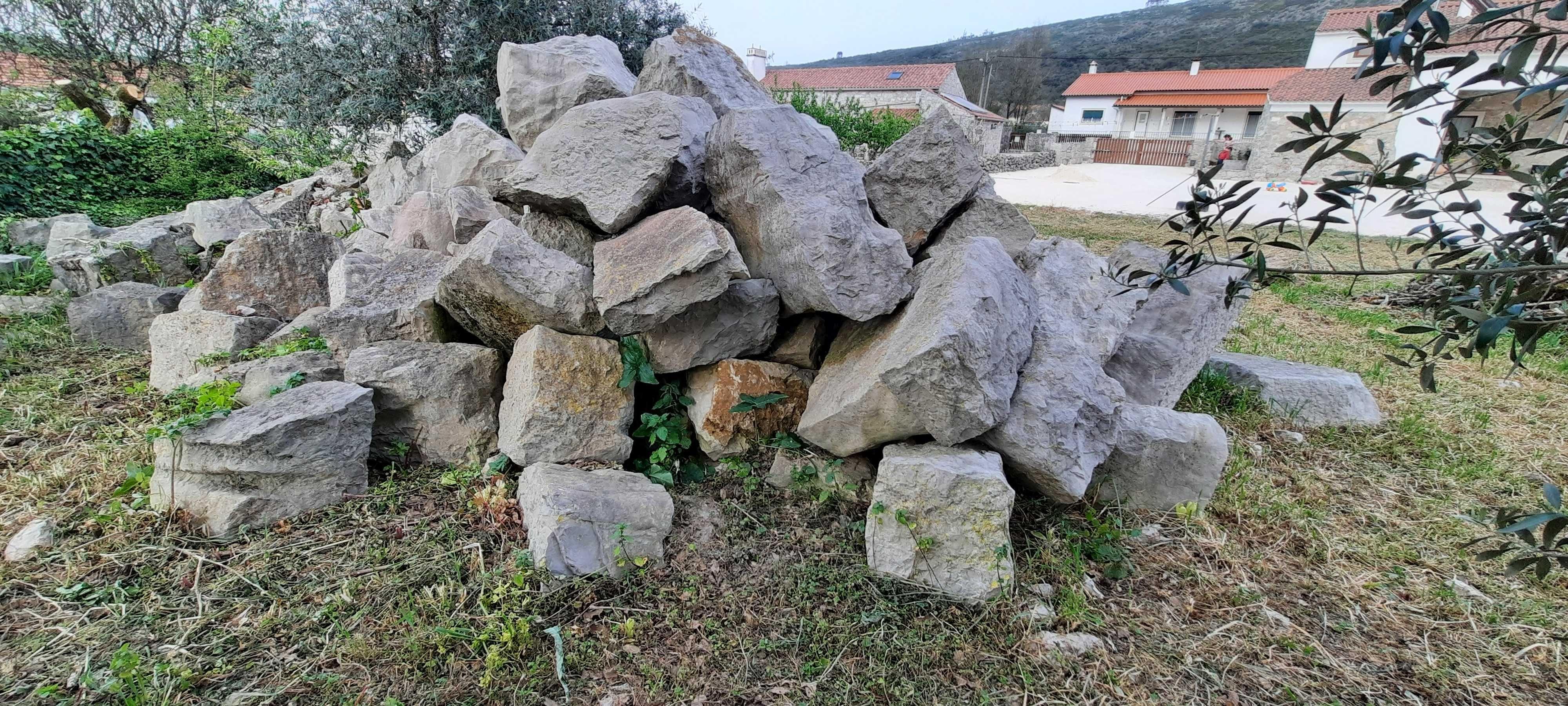 Vendo Pedras Rusticas