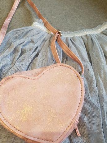 Zestaw ubrań dla dziewczynki 128/140