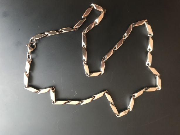 Łańcuszek o unikalnym wzorze