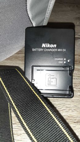 Apatat Nikon D3100 z obiektywem,pokrowiec,ładowarka