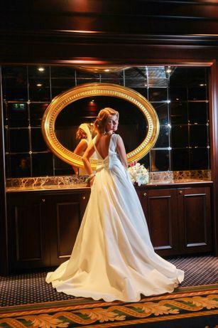 Стильное свадебное платье айвори с карманами и открытой спиной