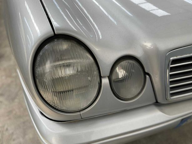 Mercedes-Benz E 220 Classic Automatic