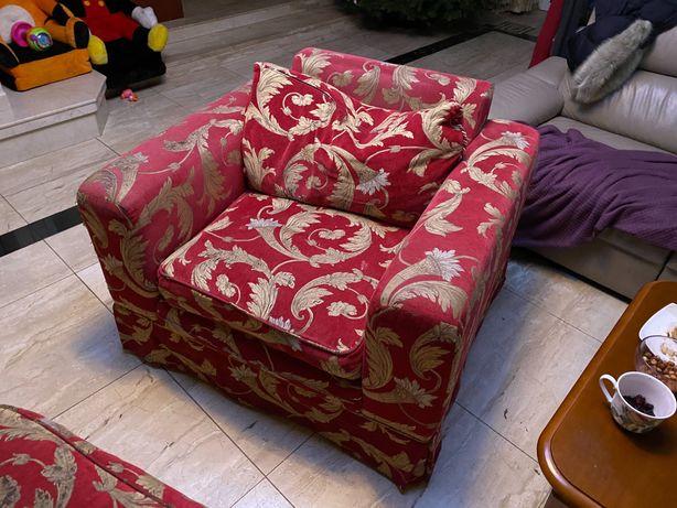 Zestaw wypoczynkowy : Kanapa , 2 fotele , podnózek z pierza