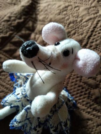 Продам игрушку мышку
