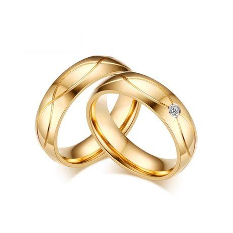 Elegancka Zdobiona Para Złotych Obrączek Ślubnych