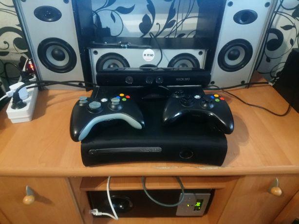 Xbox 360 120 гб . Кинект