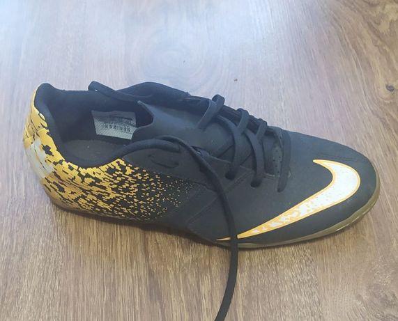 Футзалки Nike оригінал