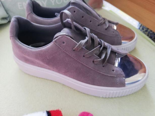Nowe buty r. 39