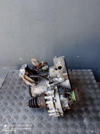 Caixa de velocidades VW GOLF IV 1.9 TDI (110 cv) REF: EBF