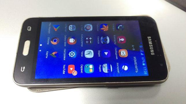 Телефон Samsung Galaxy J1 2016 SM-J120H Gold