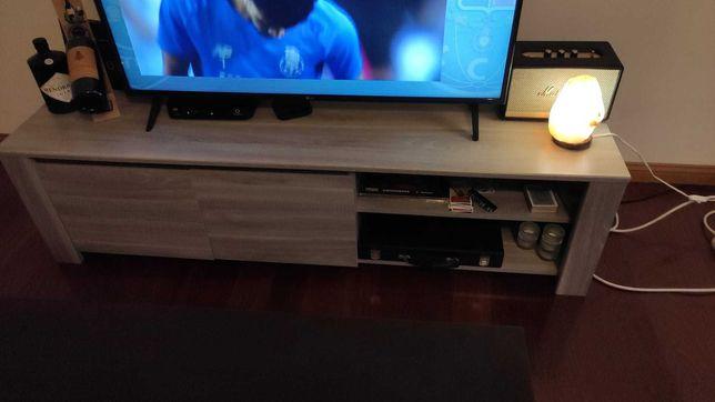 Prático móvel de Tv