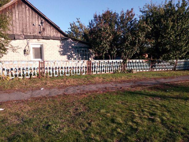 Продам участок с небольшим домиком, красная линия в пгт Юрьевка