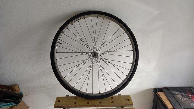 Roda 26 para Pasteleira com câmara e pneu