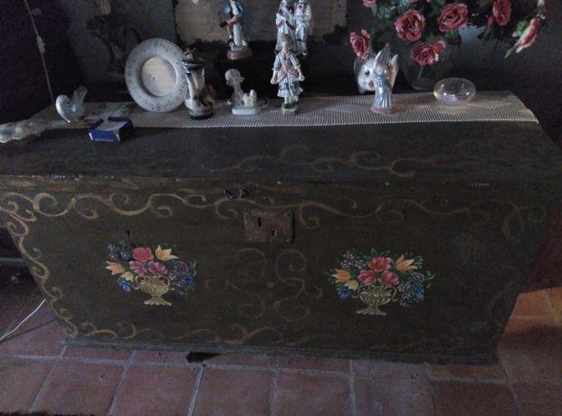Lote de móveis antigos