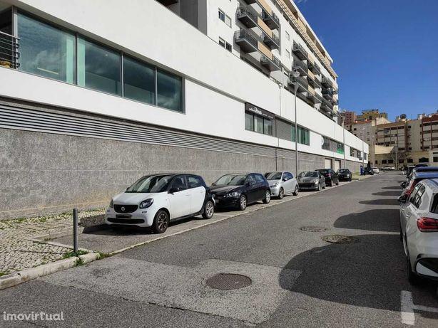 Garagem nas Laranjeiras (para arrendar), lugares de estacionamento