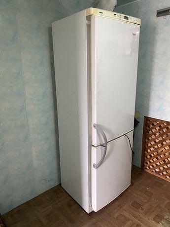 Холодильник (нерабочий, агрегат рабочий)