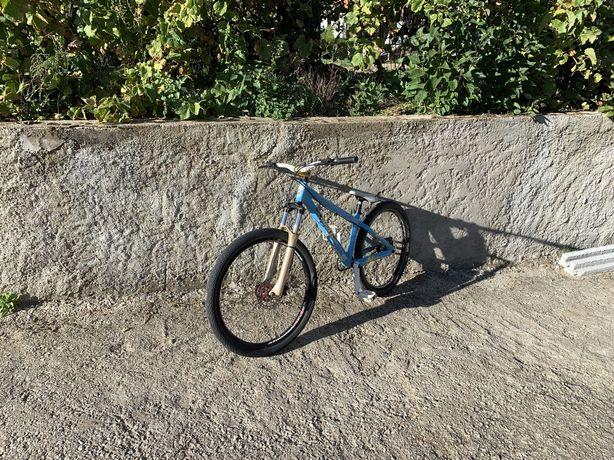 Bike Dirt Jump semi nova scott voltage 3.0