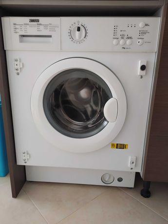 Máquina de lavar roupa de encastre Zanussi