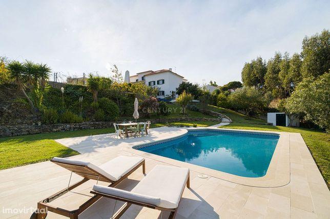 V4+1 Moderna Casa de campo com jardim privativo e piscina