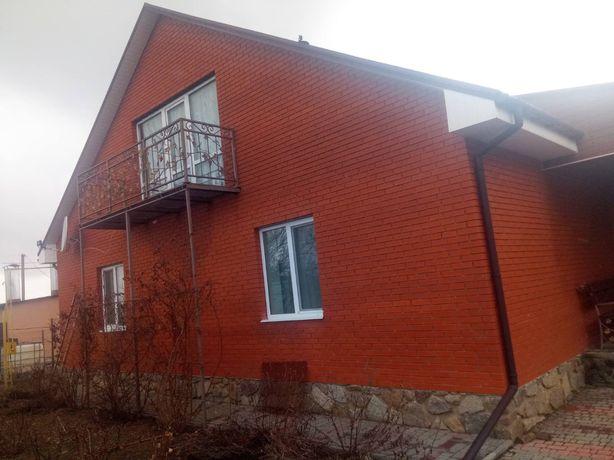 Продам свій одноповерховий будинок в смт Маньківка. Торг вітається!