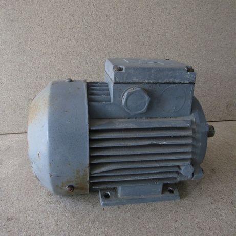 Мотор 1,4 кВт