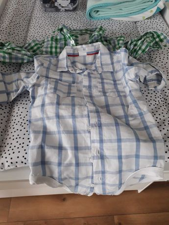 Chłopięce body koszulowe 74 i spodnie chinosy