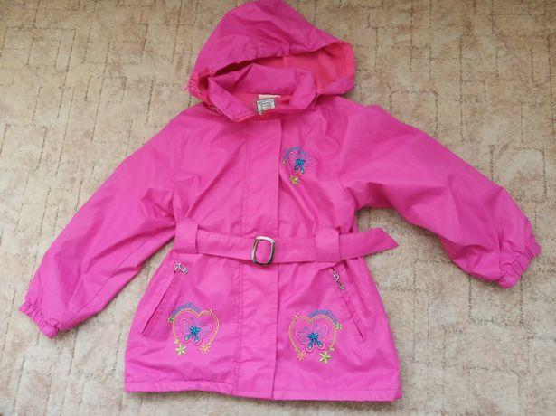 куртка -ветровка на флисе на девочку 5-7 лет