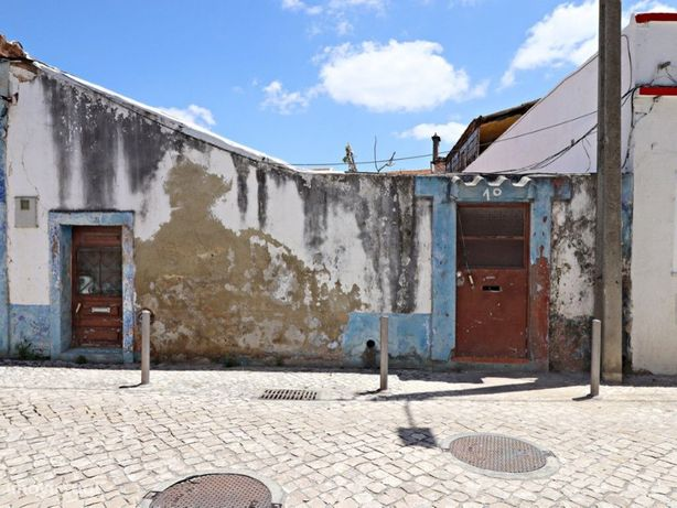 Moradia em ruína - Centro de Alhos Vedros