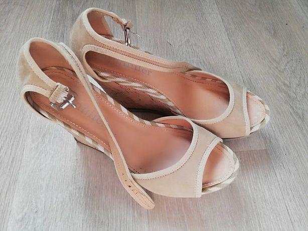 Sandałki na koturnie rozmiar 39