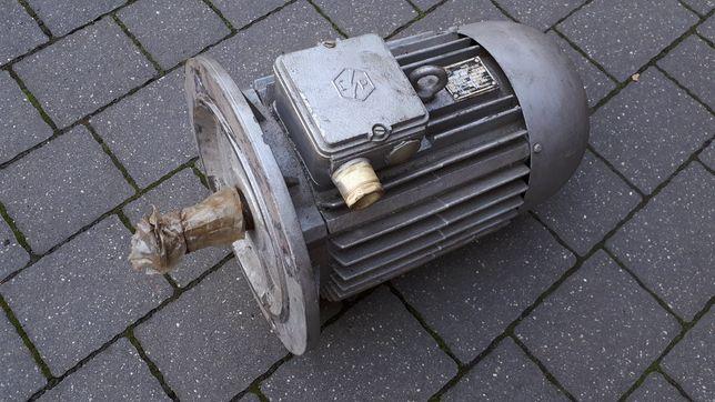 Silnik kołnierzowy 5,5 kW 2880obr/min 230/380 V