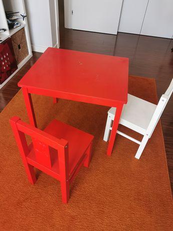 Mesa de criança c/2 cadeiras